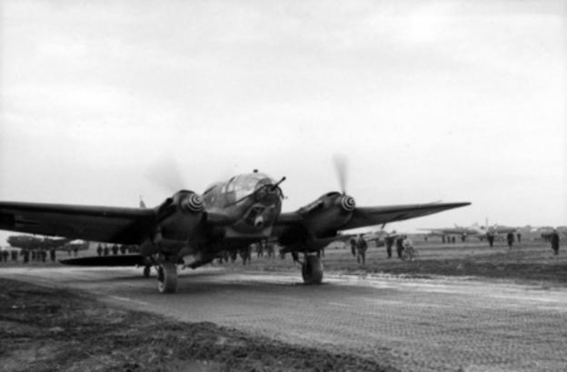 Captured_Heinkel_He_111_at_Celone_1944